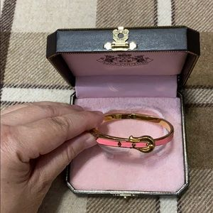 JUICY COUTURE GOLD PINK ENAMEL BANGLE BRACELET